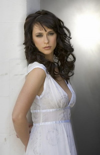 Jennifer Love Hewitt 19