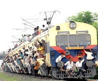 overcrowded-train-asia