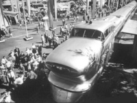 PHOTO - CHICAGO - TRAIN - GENERAL MOTORS AEROTRAIN - ON PUBLIC DISPLAY - CAB RESEMBLES A 1950s CAR - 1955