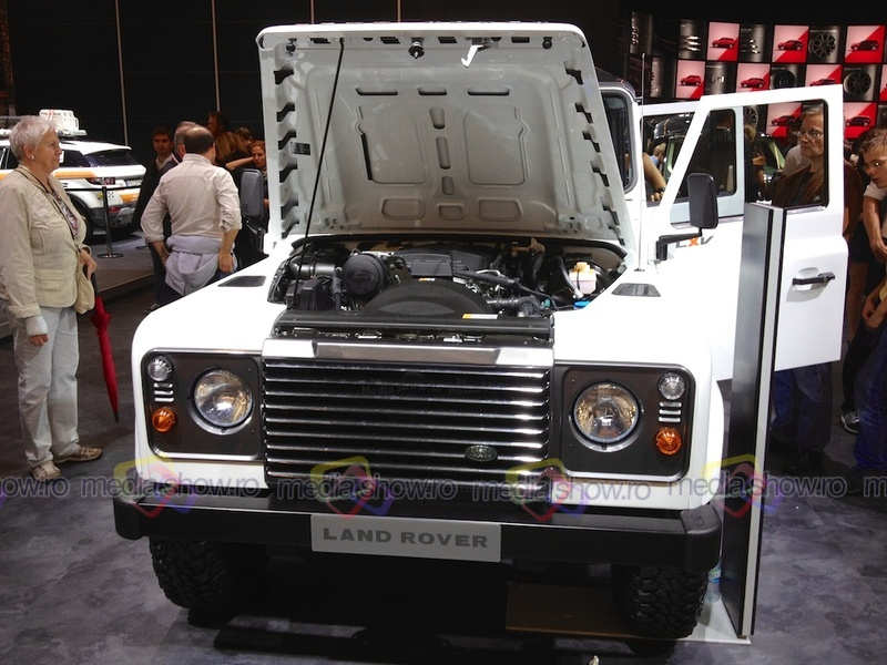 Land Rover LXV - frontal view