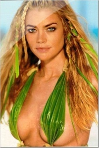 Denise Richards 17