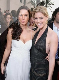 Rhona Mitra & Julie Bowen - Red carpet Charbonneau