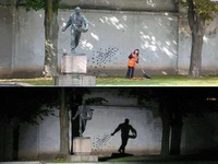 Amazing - wall painting and sculpture together - day and night